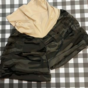 Camo Maternity Shorts Size Medium